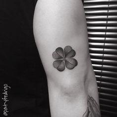 Black and grey ink clover by Patricia Fedrigo