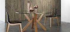 PORTO  Tavolo fisso con base in legno e piano circolare in vetro  http://www.arredo3.it/tavoli/moderno/porto/