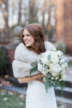Gorgeous ideas for winter wedding bouquets | Bridal Musings Wedding Blog
