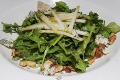Le Paradis Bistro Brasserie Toronto - Auvergnate salade - Arugula, walnuts, apples, blue cheese de Auvergne, walnut oil vinaigrette $8,50