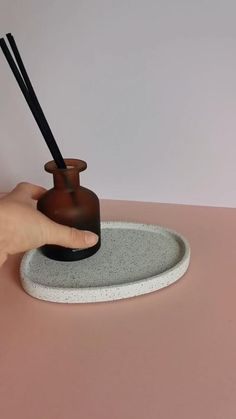 Diy Resin Projects, Diy Resin Art, Diy Clay, Diy Art, Concrete Crafts, Concrete Art, White Concrete, Cute Diy Room Decor, Diy Crafts For Home Decor