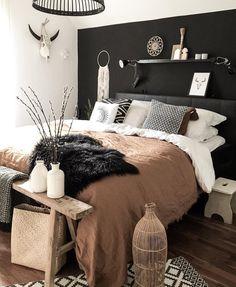 𝒸𝑜𝓈𝓂𝒾𝒸𝒾𝓈𝓁𝒶𝓃𝒹𝑒𝓇 ☽ Tumblr Zimmer, Bedroom Inspo, Cozy Bedroom, Dream Bedroom, Bedroom Ideas, Black Bedroom Walls, Dark Master Bedroom, White Walls, Moroccan Bedroom Decor