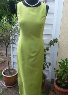 Kaufe meinen Artikel bei #Kleiderkreisel http://www.kleiderkreisel.de/damenmode/lange-kleider/107131524-froschgrunes-maxikleid-mit-schlitz-grosse-3638