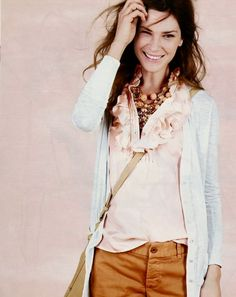 typical spring jcrew look! Love that ruffled blouse!