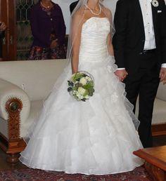 ♥ TRAUM IN WEISS von Isabel de Mestre, Gr. 36 ♥  Ansehen: http://www.brautboerse.de/brautkleid-verkaufen/traum-in-weiss-von-isabel-de-mestre-gr-36/   #Brautkleider #Hochzeit #Wedding