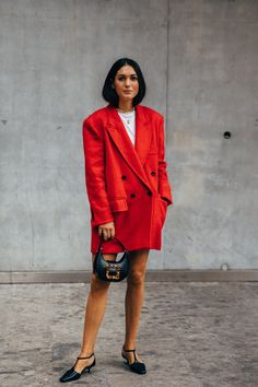 Milan Fashion Week Street Style, New York Street Style, Spring Street Style, Cool Street Fashion, Chic Winter Outfits, Just Style, Autumn Winter Fashion, Winter Style, Fall Winter