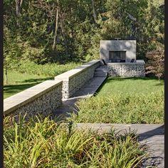 Low weld mesh Gabion walls in outdoor entertaining area. Landscape Walls, Landscape Architecture, Landscape Design, Garden Design, Fence Landscaping, Backyard Fences, Modern Landscaping, Gabion Wall, Boundary Walls