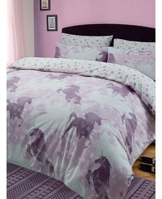 This pretty Unicorn Dreams Single Duvet Cover and Pillowcase Set will add the perfect finishing touch to any bedroom. Free UK delivery available