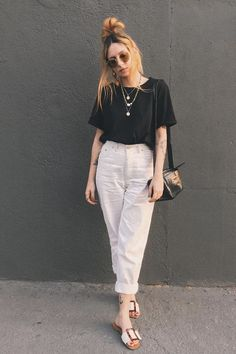 Hijab Styles 751819731534818905 - casual verano / Spring Outfits – casual outfits ~ casual style ~ casual chic ~ casual man ~ casual fashion ~ casual summer ~ business casual ~ casual 2020 ~ smart casual ~ casual dresses ~ casua Source by agatasecostello Style Casual, Basic Outfits, Casual Summer Outfits, Casual Street Style, Casual Chic, Spring Outfits, Cute Outfits, Smart Casual, Basic Ootd