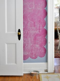 pink scalloped chalkboard wall from Melissa de la Fuente Black Chalkboard, Chalkboard Paint, Chalk Wall, Chalk Board, Chalk Paint, Little Girl Rooms, Kid Spaces, Decoration, Casa Ideal