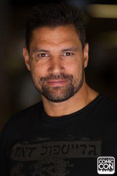 Actor Manu Bennett at Salt Lake Comic Con 2015