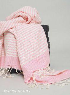 l-a-v-l-i-a-h-o-m-e-hamam-pyyhe-fouta-bali-vaaleanpunainen