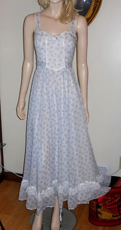 Vintage 70's Gunne Sax Sun Dress; this is the same dress as mine only mine is cream with mauve flowers.