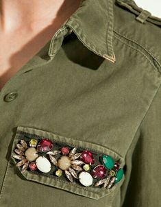 50 Diverse Ideas of Denim Jackets Decor, фото № 32 Embroidery Fashion, Beaded Embroidery, Embroidery Designs, Estilo Denim, Denim Fashion, Womens Fashion, Diy Kleidung, Diy Vetement, Diy Mode