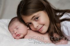 Newborn and sister photo shoot