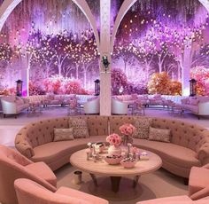 Different type of wedding setting, lounge.  Diferente tipo de boda, casual pero elegante.