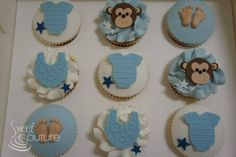 Monkey themed baby shower cupcakes.