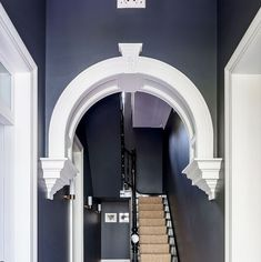 15 gorgeous hallway colors designers swear by Hallway Paint Colors, Best Paint Colors, Wall Colors, House Colors, Over The Top, Hallway Decorating, Entryway Decor, Narrow Entryway, Dado Rail