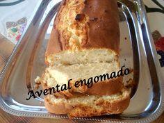 Avental engomado: Bolo industrial inglês da Débora Cordeiro = 200g de açúcar, 200g de farinha de trigo, 200g de margarina,  4 ovos, 1 copo de leite, 1 colher sopa de fermento em pó, 1 colher sopa de essência (de abacaxi, laranja, baunilha, coco, morango, etc.. Bata na batedeira, o açúcar, manteiga em temperatura ambiente até formar um creme, Adicione os ovos um a um. Coloque a farinha. o leite e o fermento. Forma de bolo inglês, untada e polvilhada. Forno 180°