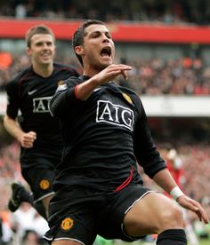 Arsenal v Manchester United (2-2). Manchester United's Cristiano Ronaldo celebrates scoring against Arsenal during their English Premiership League soccer match at Arsenal's Emirates stadium in London, Saturday Nov. 3, 2007. The match ended in a 2-2 draw. (AP Photo/Alastair Grant ) ** NO INTERNET/MOBILE USAGE WITHOUT FAPL LICENCE - SEE IPTC SPECIAL INSTRUCTIONS FIELD FOR DETAILS **