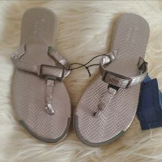 Vera Wang silver flip flops Brand new. Size 5/6 Shoes Sandals