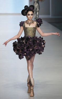 Happy Halloween! vogue-is-viral:  Guo Pei Haute Couture 2010