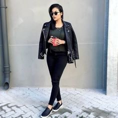 The best accessory to a stylish outfit - Vida coffee to hamba (Takeaway) Stylish Outfits, Black Jeans, Bomber Jacket, Street Style, Photo And Video, Pants, Jackets, Essentials, Coffee