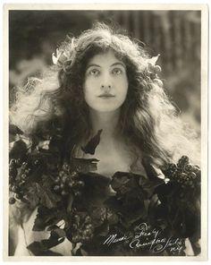 "fawnvelveteen: "" Rudolf Eickemeyer, Jr., Portrait of Maude Fealy, 1910 """