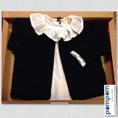 Chaqueta de lana negra de Pompom camisa blanca de plumeti  colordemoda   negroyblanco  puntobebe  handmade  pompomburgos 1633d4ff3de