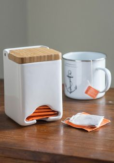 jonathanring: I need one of these. 'Wooden you rather tea dispenser' #teaiseverything