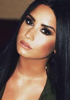 Pinterest: DEBORAHPRAHA ♥️ demi lovato smokey eye night time makeup look