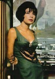 Τζένη Καρέζη Most Beautiful, Beautiful Women, Greek Beauty, Old Movies, Famous Artists, Pretty Woman, Autumn Winter Fashion, Movie Stars, Style Icons