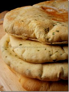 pain-pita-coriandre Pain Pita, Middle East Food, Quiche, Home Bakery, Bread And Pastries, Happy Foods, Breakfast Dessert, Some Recipe, Easy Cooking