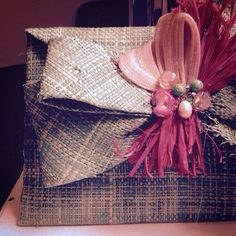 Bolso de rafia teñida, totalmente artesanal. Personaliza tu look! #handmade #bodadedia #invitadaperfecta