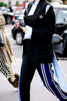 Street Style Paris Fashion Week Primavera Verano 2017 | Galería de fotos 13 de 42 | VOGUE