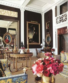 Carolyn Roehm's living room, CT. She always has impeccable taste.