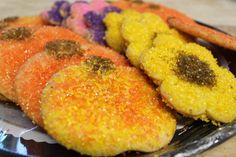 Seasonal Sugar Cookies - Yummy :) Lemon Coconut, Pink Chocolate, Chocolate Shavings, Cake Tasting, Cake Flavors, Toffee, Sugar Cookies, Bakery, Peach