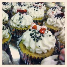Photo by crystaldesignstudio Chocolate Chip Cupcakes, Pumpkin Chocolate Chips, Creepy, Crystals, Desserts, Food, Tailgate Desserts, Deserts, Essen