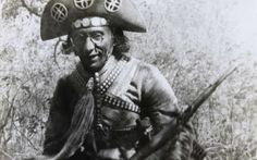 O chapéu de Lampião trazia diversas moedas e medalhas de ouro dentre outros adornos.