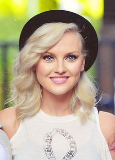 I love Perrie's hair so much...