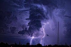 Sono le parole più silenziose, quelle che portano la tempesta. Friedrich Nietzsche