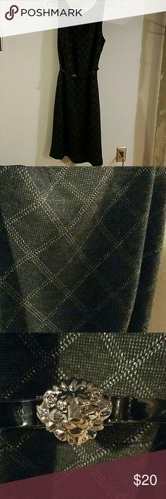 Ann Klein gray/silver lined dress Ann Klein gray/silver lined dress Anne Klein Dresses Midi