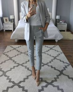 20 Sophisticated Work Attire and Office Outfits for Women to Look Stylish and Ch. - 20 Sophisticated Work Attire and Office Outfits for Women to Look Stylish and Chic – Lifestyle Sp - Business Professional Outfits, Business Casual Outfits, Office Outfits, Mode Outfits, Fashion Outfits, Jackets Fashion, Chic Outfits, Summer Outfits, Black Outfits
