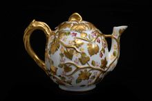 Pac Porcelanas teapot  Signed: Pintado á máo 3732  Portugal (Sintra, Portugal)