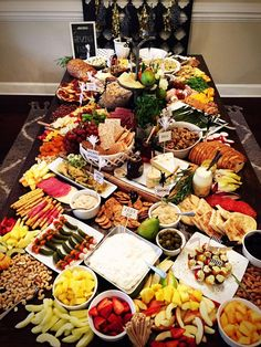 Easy & Delicious Baby Shower Food Ideas – Grazing Table – Baby Shower Ideas for Boys – Grandcrafter – DIY Christmas Ideas ♥ Homes Decoration Ideas Appetizer Buffet, Appetizers Table, Mini Appetizers, Appetizer Recipes, Meat Platter, Antipasto Platter, Party Food Platters, Cheese Platters, Party Buffet