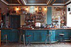 Pub Interior, Bar Interior Design, Restaurant Interior Design, Modern Restaurant, Pub Design, Coffee Shop Design, Deco Cafe, Corner Bar, Cafe Concept