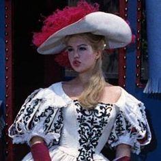 Les Trois mousquetaires : les ferrets de la reine (1961), film en téléchargement VOD, Cinéma, TV, DVD - Voirunfilm