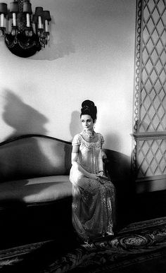 Audrey Hepburn in her ball gown, waiting for filming, 1963. My Fair Lady. Photo Bob Willoughby