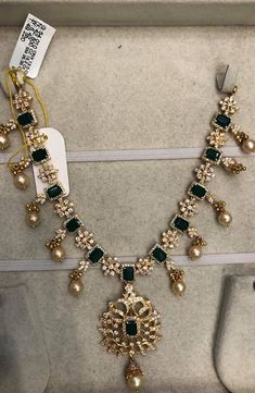 necklace models - 20 Never Seen Before Emerald Necklace Designs in Gold - My Popular Photo Gold Necklace Simple, Gold Jewelry Simple, Emerald Necklace, Emerald Jewelry, Light Weight Gold Jewellery, Gold Necklaces, Diamond Jewellery, Ruby Necklace Designs, Gold Pendent