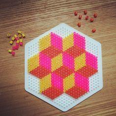 Geometric design hama beads by schmukkedeern